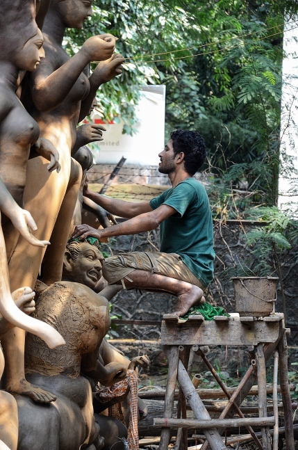 Durga Puja Idol Maker in Delhi