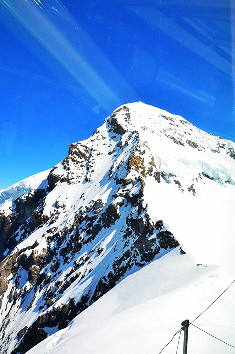 mountains-at-jungfraujoch