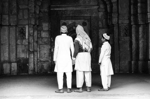 jamali-kamali-black-and-white