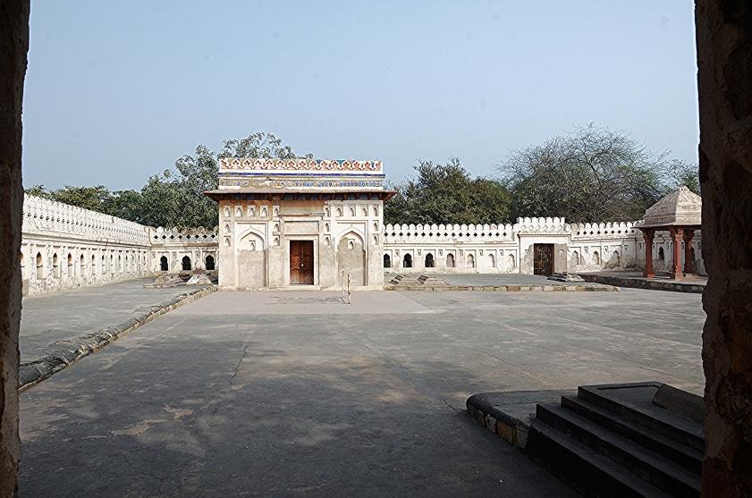 jamali-kamali-mosque