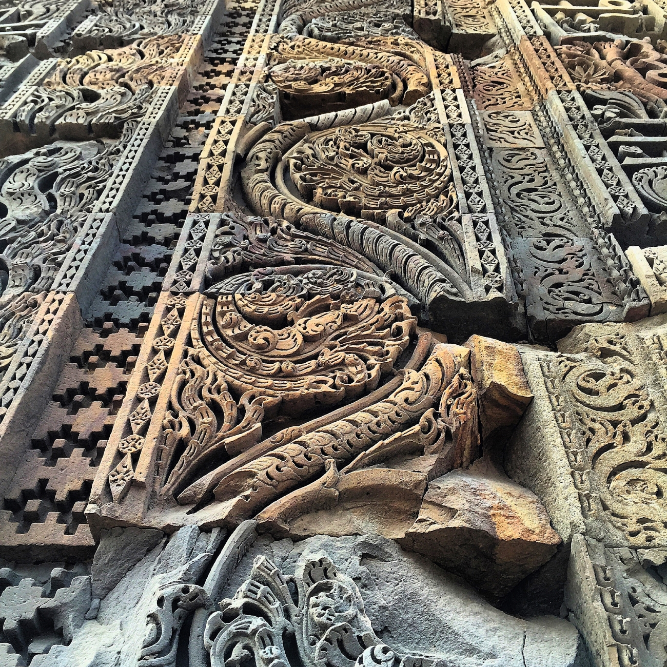Intricate work on the walls - The Qutub Minar Complex