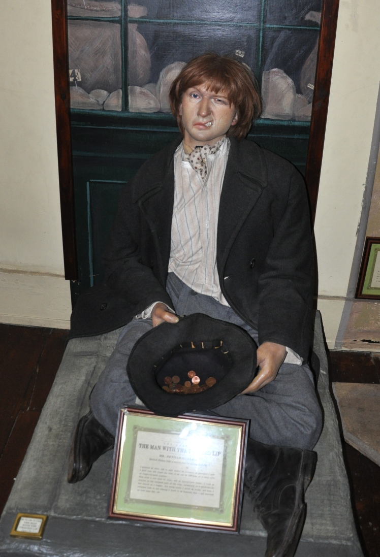 Wikimedia Commons - Sherlock_Holmes_Museum_The_Man_with_the_Twisted_Lip
