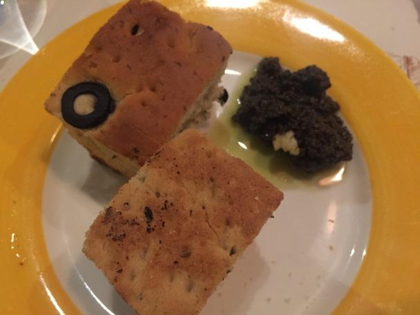 Cafe Tonino - Bread