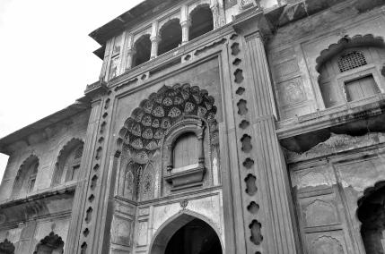 Enter - Safdarjung's Tomb