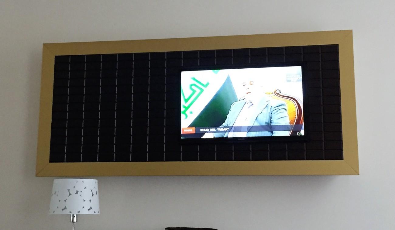 Tv Console - Hotel Saint Nicolas