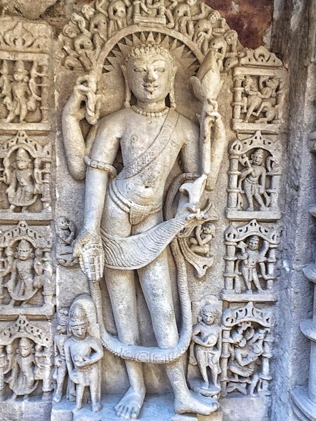 Idols in devotion to Shiva - Rani ki vav, Gujarat