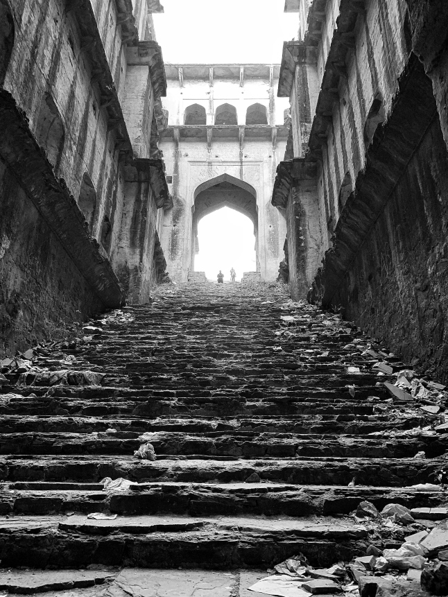 200 steps to come down... and then go back up again - neemrana stepwell