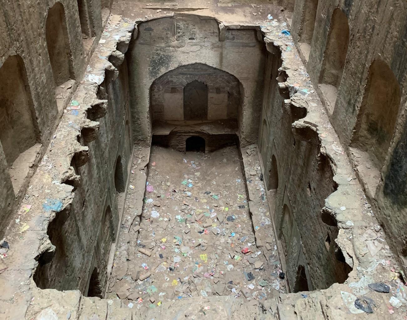 years of neglect neemrana bawadi