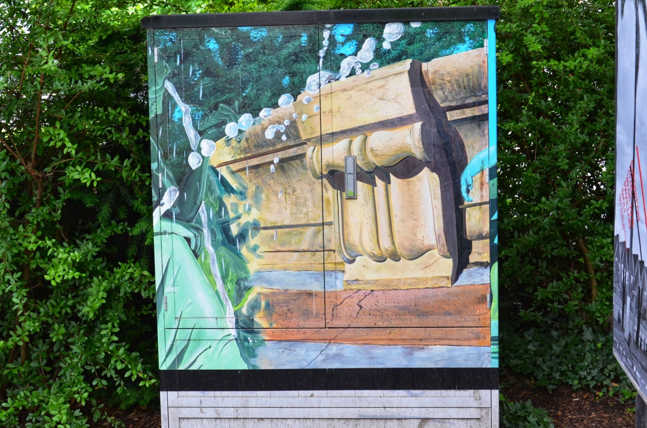 A painted electricty box in Geneva