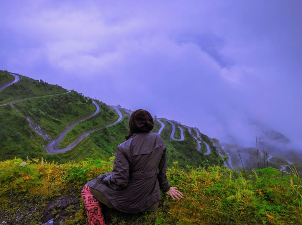 The winding roads of Zuluk, Sikkim