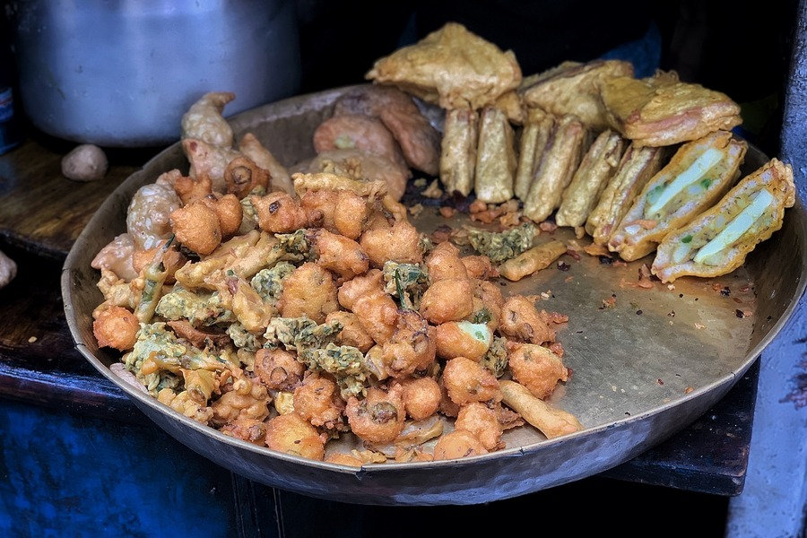 Best Old Delhi Food Guide with Over 20 Iconic Places