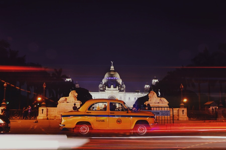 Kolkata Yellow Taxi at Night.jpg