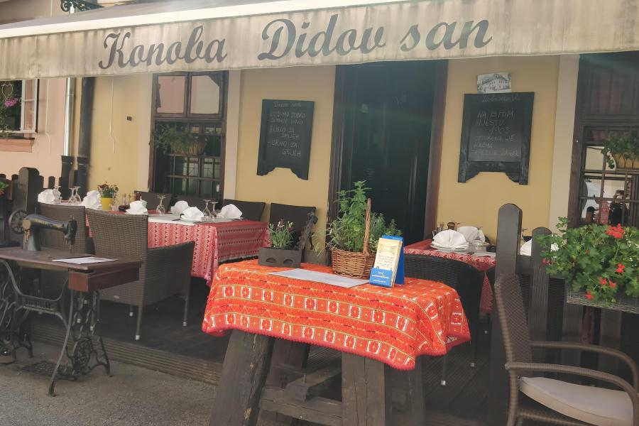 Restaurant - day 1