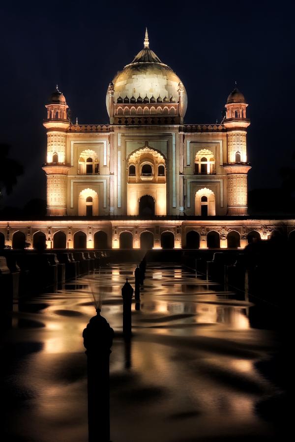 Safdarjung's Tomb at Night