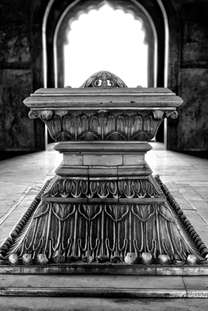 Safdarjung's Tomb - Inside in Black and White