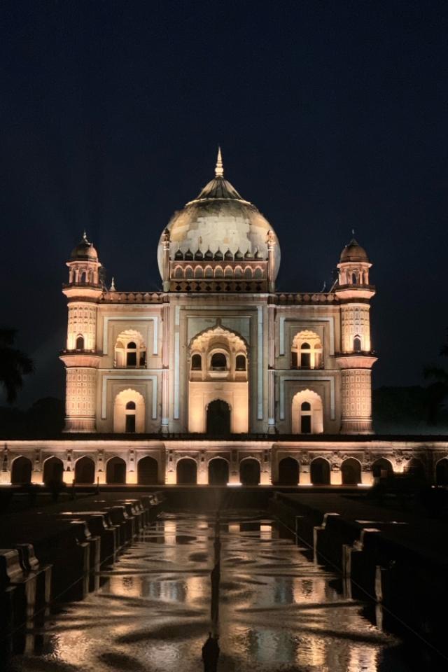 Safdarjung's Tomb New Delhi - At Night